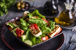 Fattoush with Grilled Halloumi